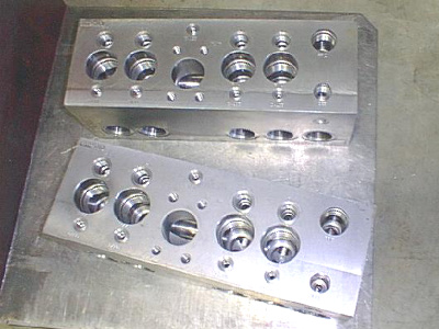custom machines manifold blocks